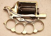apaches-pistolet-dolne-2.jpg: 896x640, 63k (04 novembre 2009 à 02h47)